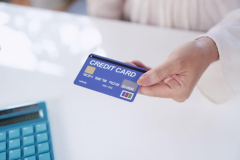 how to keep credit card active